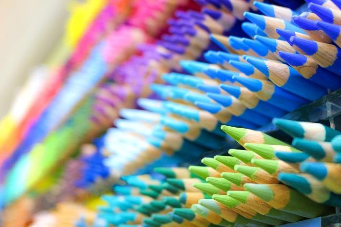 視覚障害者にも色の楽しさを