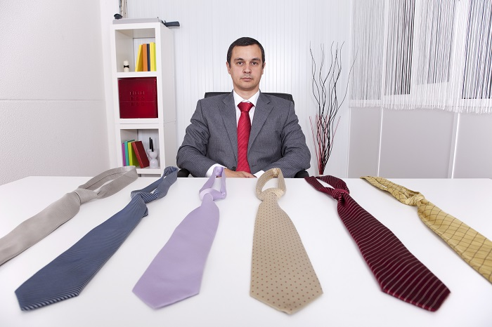 ネクタイのTPOカラー戦略